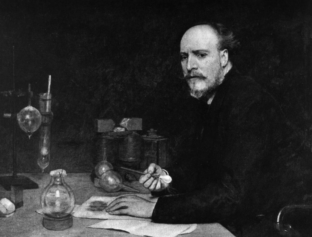 جيمس ديوار.. الاسكتلندي مخترع دورق ديوار الذي برع في إسالة الغازات