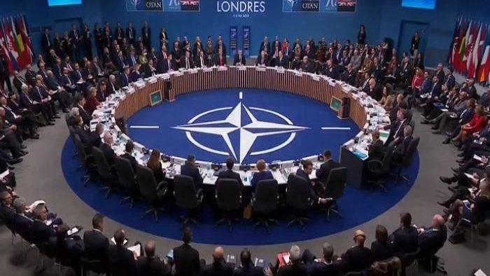 الناتو يرحب بالاتفاق الدفاعي اليوناني الفرنسي